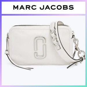 Marc Jacobs Softshot 21 Porcelain Silver